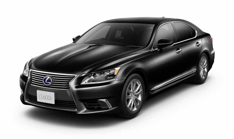 lexus-set-the-special-specification-car-cool-touring-style-with-an-increased-sophistication-in-ct20160827-3