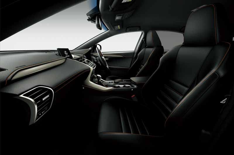 lexus-set-the-special-specification-car-cool-touring-style-with-an-increased-sophistication-in-ct20160827-6