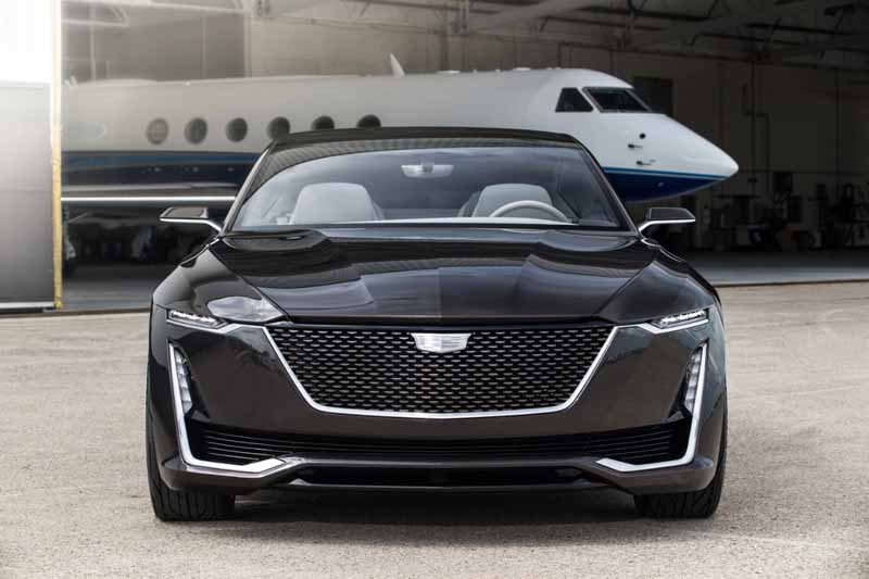 premiered-cadillac-concept-car-cadillacescalaconcept-is-in-the-united-states-and-the-west-coast20160819-4