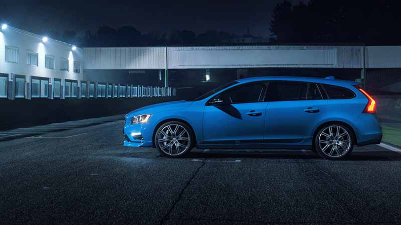 volvo-car-japan-started-selling-the-new-s60-v60-polestar-in-100-units-limited20160805-4