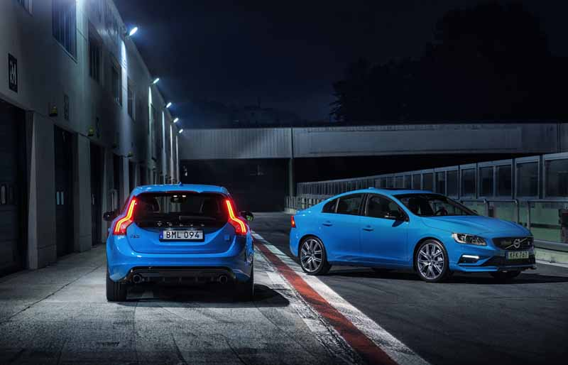 volvo-car-japan-started-selling-the-new-s60-v60-polestar-in-100-units-limited20160805-6