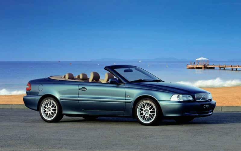 volvo-coupe-which-was-developed-in-partnership-with-the-uk-%c2%b7-twr-volvo-c70-is-celebrating-the-birth-20-anniversary20160930-3
