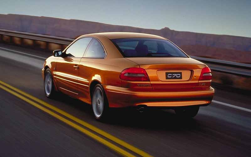 volvo-coupe-which-was-developed-in-partnership-with-the-uk-%c2%b7-twr-volvo-c70-is-celebrating-the-birth-20-anniversary20160930-2