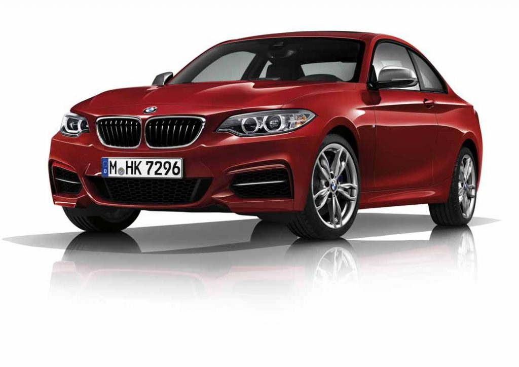bmw-the-sport-of-the-m140i-and-m240i-coupe-was-both-practical-release20160917-1