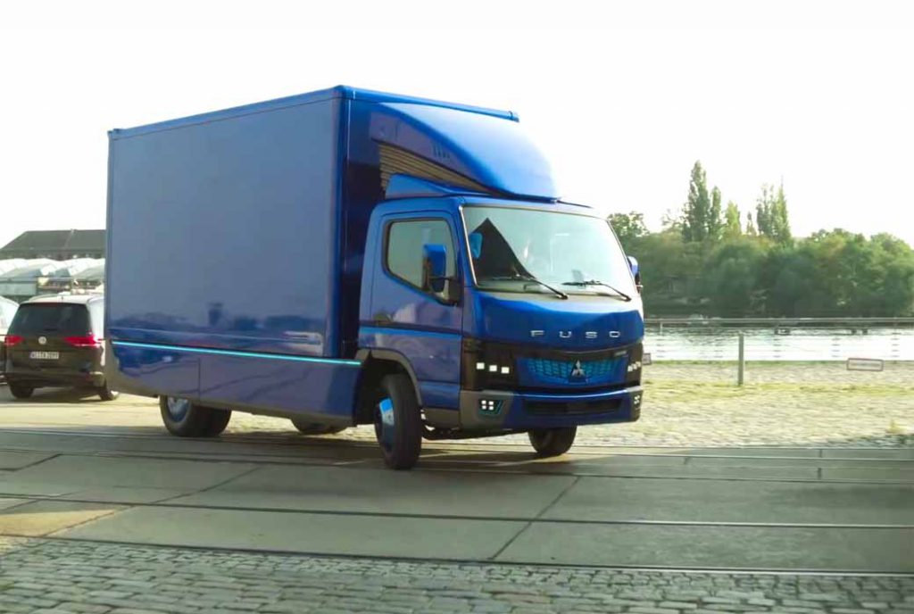 daimler-trucks-asia-the-worlds-first-published-the-ecanter-mitsubishi-fuso-in-the-iaa-201620160925-12