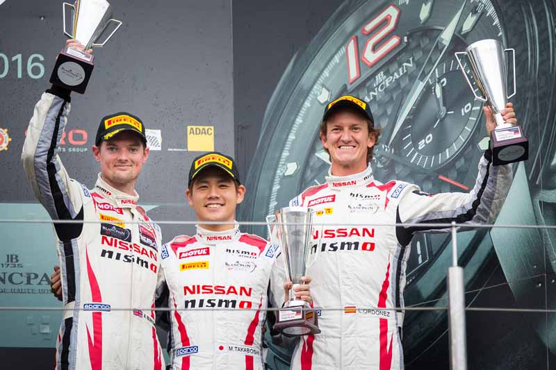 decorate-the-nissan-gt-academy-team-the-endurance-cup-final-race-on-the-podium20160920-1