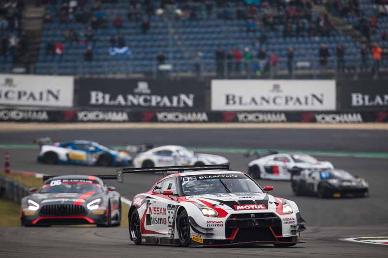 decorate-the-nissan-gt-academy-team-the-endurance-cup-final-race-on-the-podium20160920-2