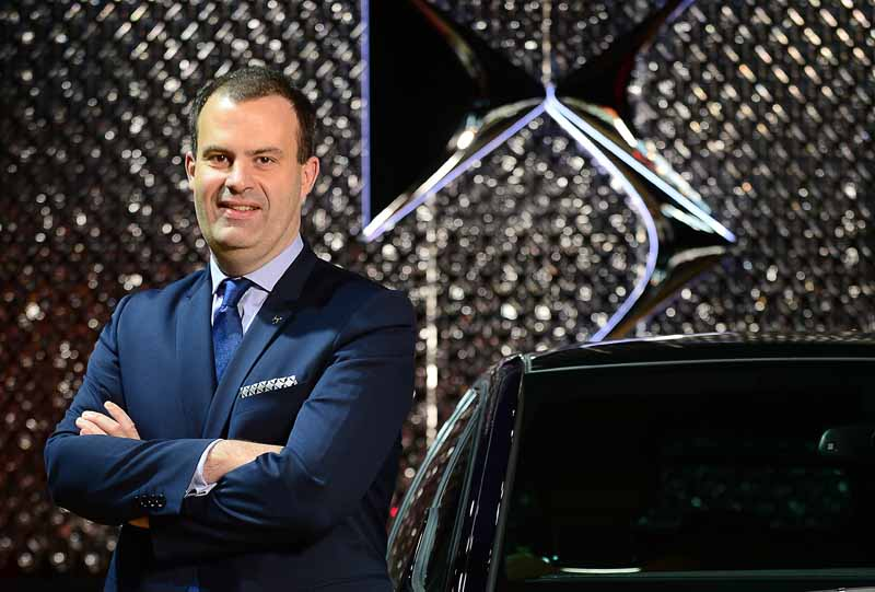 ds-brand-provides-a-virtual-experience-to-travel-the-history-of-the-brand-in-the-paris-motor-show-201620160929-18