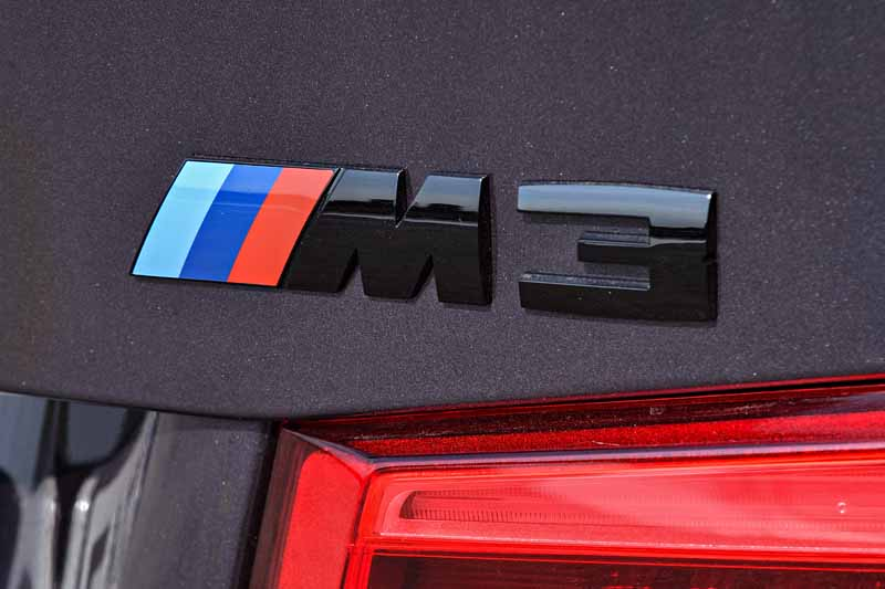 introduced-a-special-limited-car-to-commemorate-the-30-years-since-the-advent-of-the-first-generation-bmw-m3-30-jahre-m320160930-8