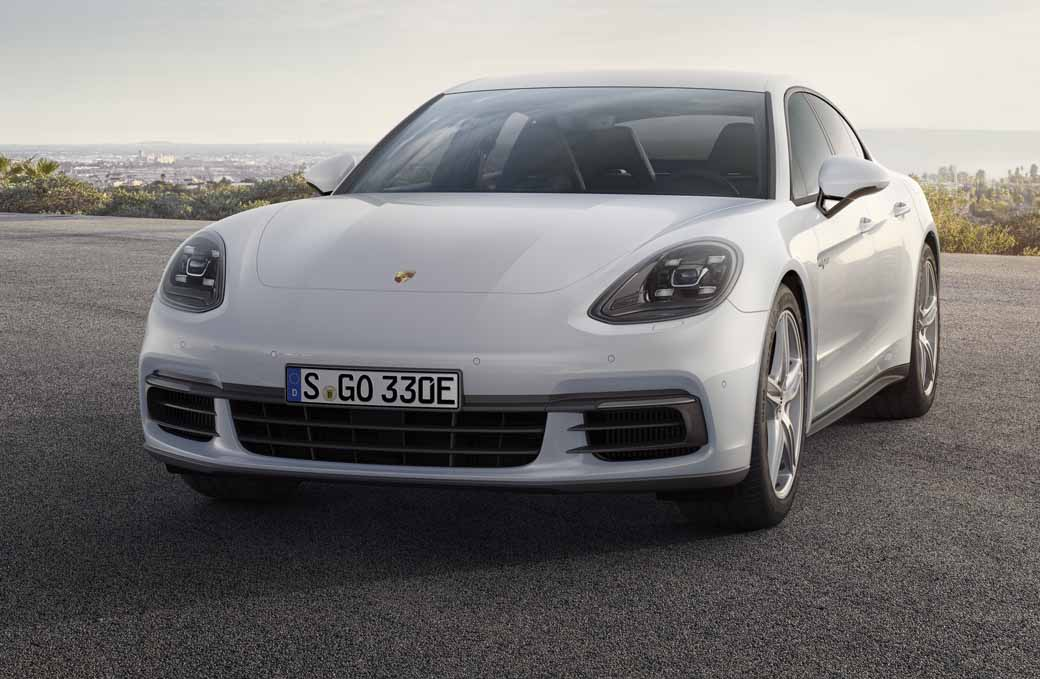 porsche-japan-the-start-of-the-booking-orders-for-the-panamera-4s-hybrid20160910-2