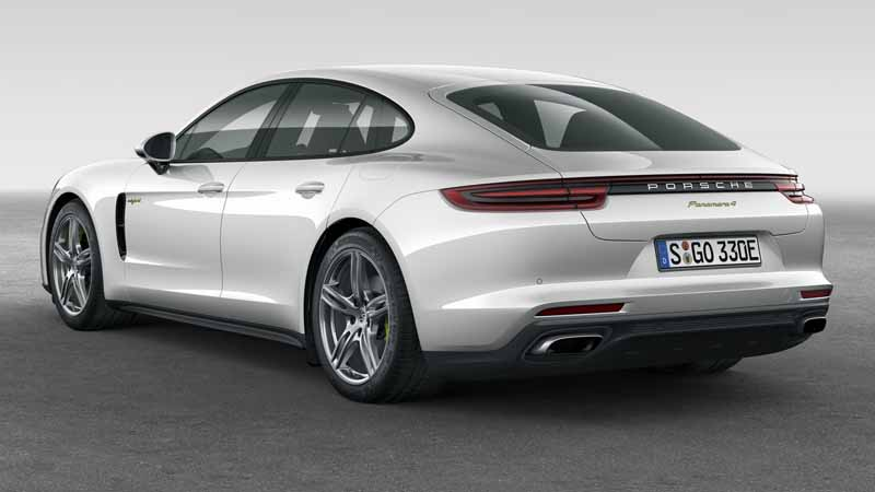 porsche-japan-the-start-of-the-booking-orders-for-the-panamera-4s-hybrid20160910-4