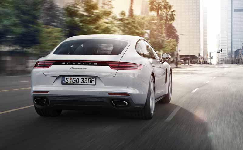 porsche-japan-the-start-of-the-booking-orders-for-the-panamera-4s-hybrid20160910-7