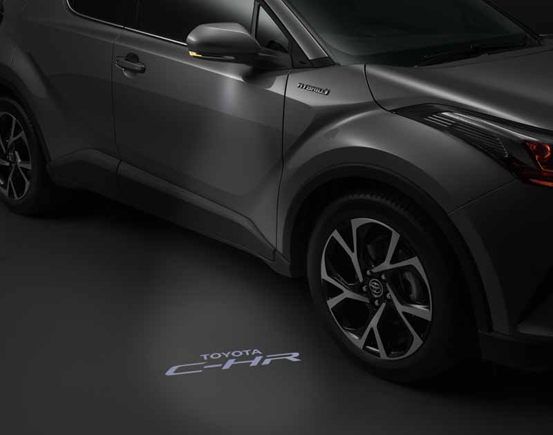 premiere-toyota-the-vehicle-outline-of-the-new-compact-suv-c-hr-japan-specification20160928-6