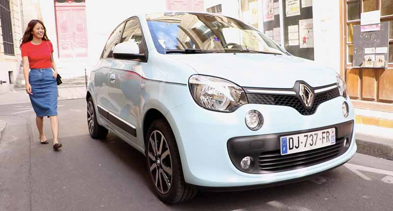renault-japon-luxury-tour-of-4-nights-6-days-over-the-paris-france-in-the-twingo-present-campaign20160910-12