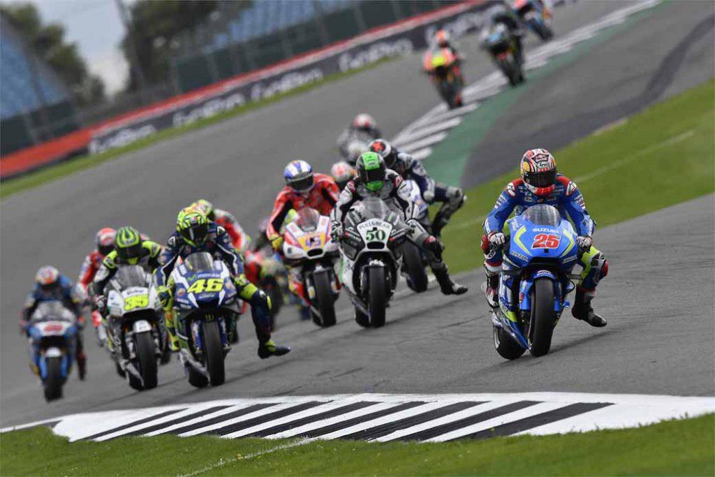 suzuki-won-the-motogp-12th-round-british-gp-nectar-of-the-first-nine-years-after-the-return20160906-1