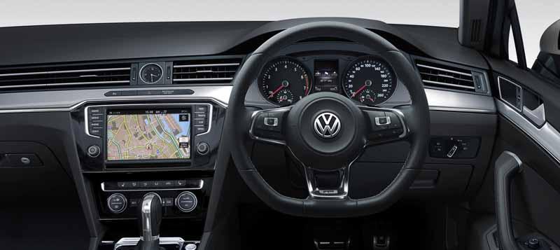volkswagen-japan-set-the-2-0tsi-r-line-in-the-passat-senior-sedan-and-wagon20160906-4