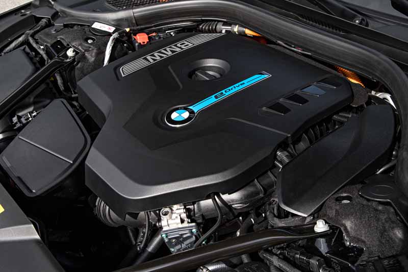 add-bmw-the-740e-iperformance-of-a-new-generation-hybrid-to-7-of-the-flagship-model20161014-10