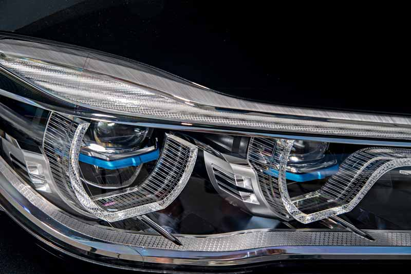 add-bmw-the-740e-iperformance-of-a-new-generation-hybrid-to-7-of-the-flagship-model20161014-8