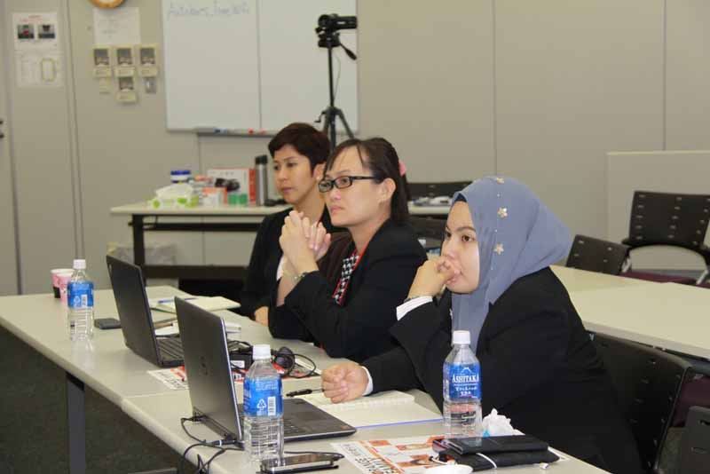 autobacs-to-terminate-the-female-employees-of-the-countries-held-a-workshop-for-the-female-customer-expansion-20161007-3