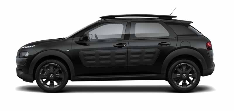 citroen-released-200-units-c4-cactus-limited-of-individualistic-suv-price-from-2-38-million-yen20161009-11