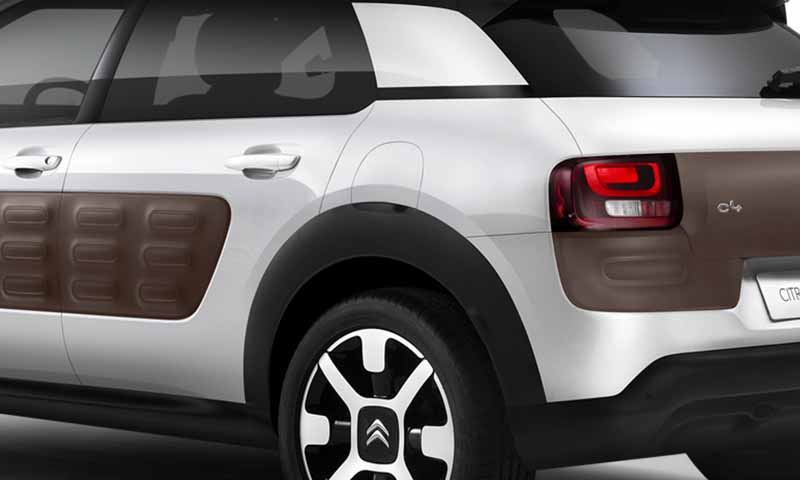 citroen-released-200-units-c4-cactus-limited-of-individualistic-suv-price-from-2-38-million-yen20161009-19