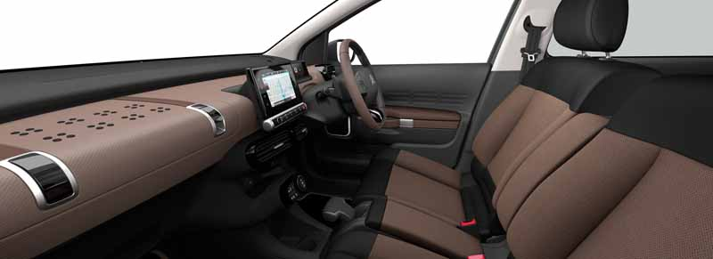 citroen-released-200-units-c4-cactus-limited-of-individualistic-suv-price-from-2-38-million-yen20161009-6