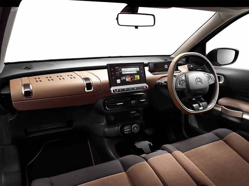 citroen-released-200-units-c4-cactus-limited-of-individualistic-suv-price-from-2-38-million-yen20161009-8