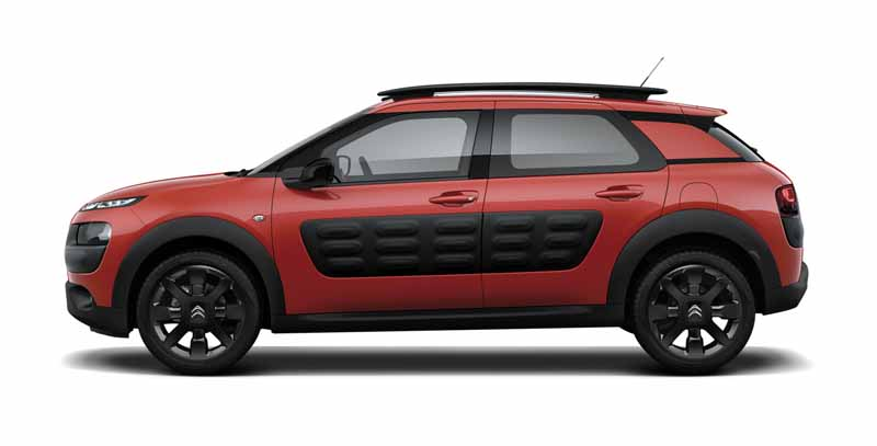 citroen-released-200-units-c4-cactus-limited-of-individualistic-suv-price-from-2-38-million-yen20161009-9
