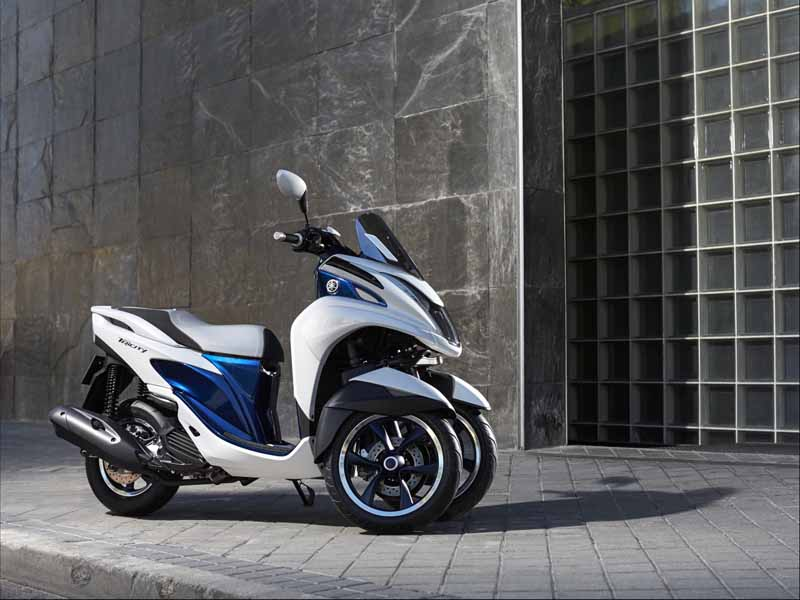 en-ville-de-paris-yamaha-tricity-mobilite-partage-start-up-de-180-unites20161005-1