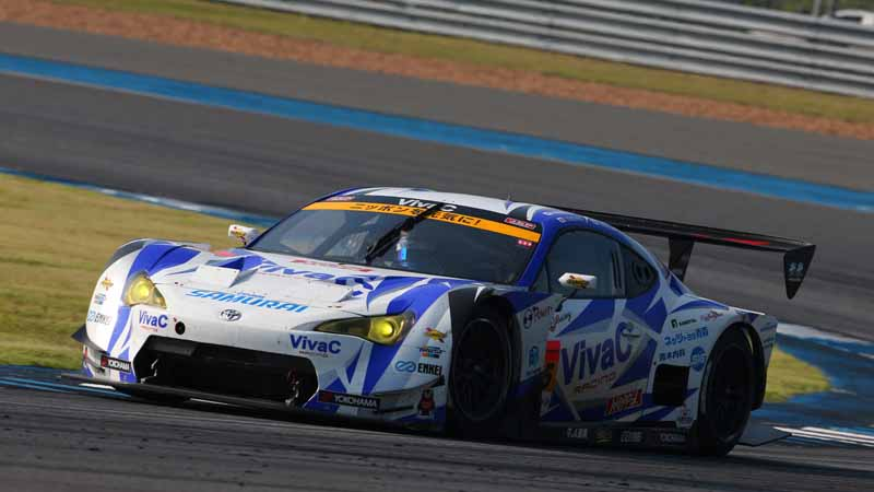 in-both-classes-of-the-super-gt-round-7-gt500-%c2%b7-gt300-paul-to-win-is-advan-racing-tire-equipped-car20161012-2
