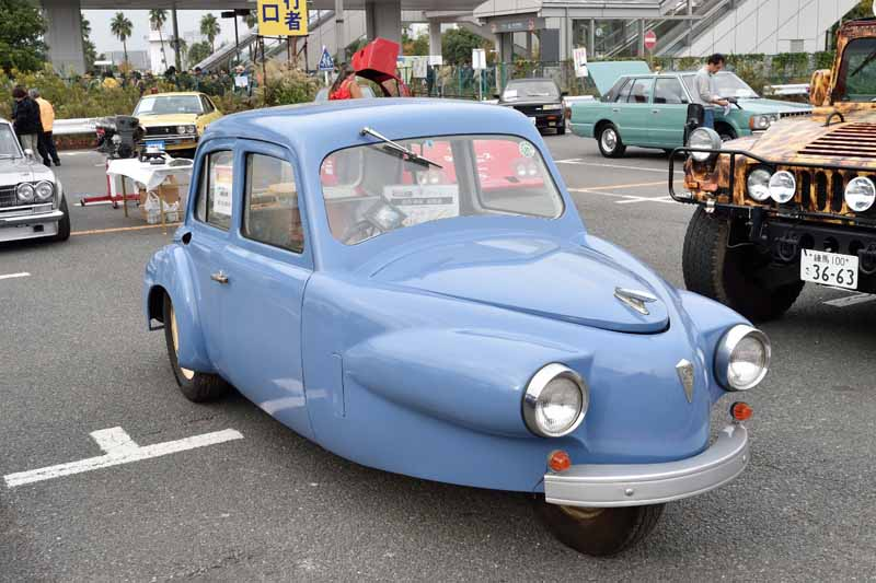 held-in-the-old-car-of-the-festival-odaiba-old-car-heaven-2016-on-november-20-to-play-in-the-family20161009-4