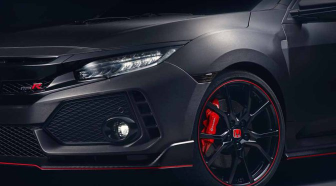 honda-published-a-prototype-model-of-the-new-civic-hatchback-and-the-same-type-r-at-the-paris-motor-show20161002-3