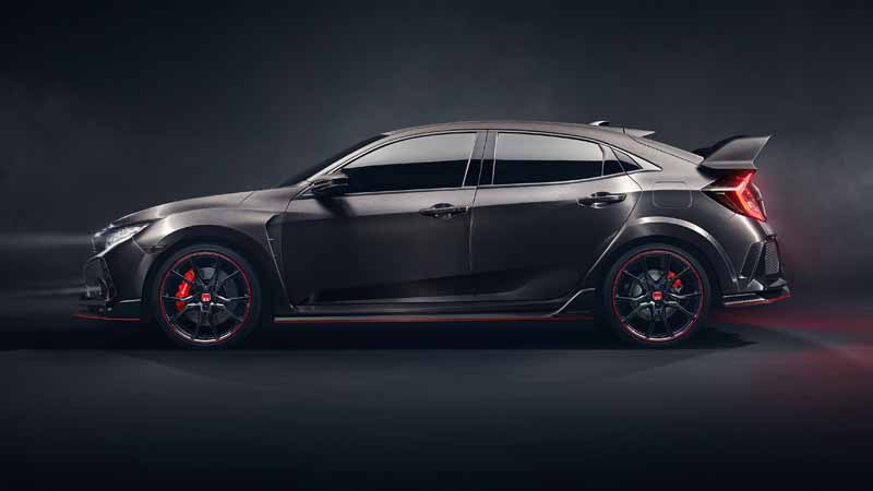 honda-published-a-prototype-model-of-the-new-civic-hatchback-and-the-same-type-r-at-the-paris-motor-show20161002-6