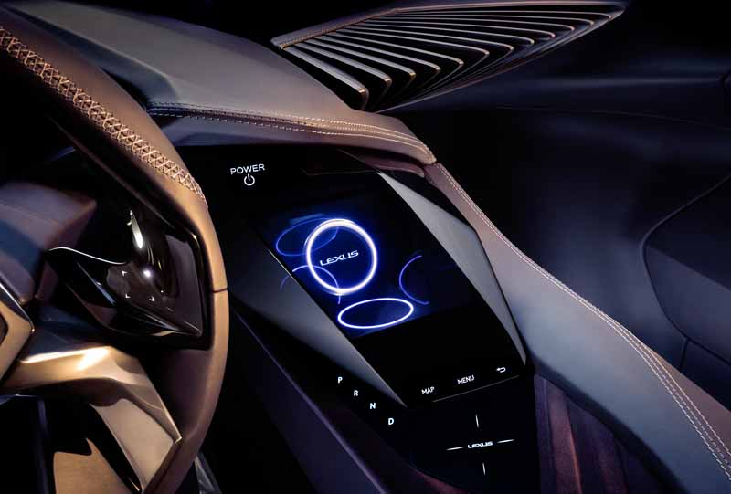 lexus-the-world-premiere-of-the-concept-car-ux-concept-in-the-cuv-at-the-paris-motor-show20161002-2