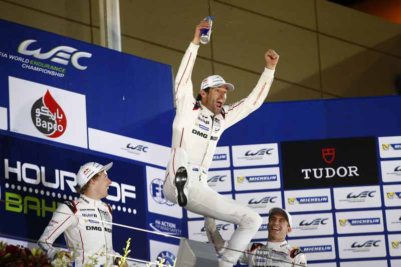 mark-webber-retired-to-became-the-special-advisor-of-the-porsche20161014-14