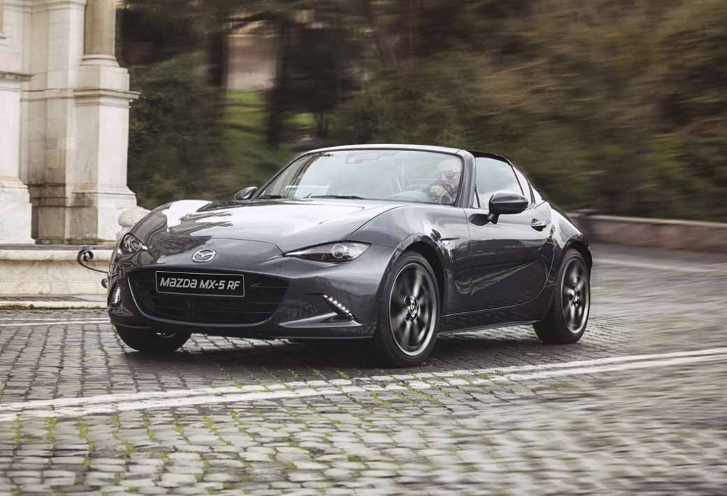mazda-held-determined-at-the-roadster-rf-prototype-preceding-exhibition-event-in-tokyo-osaka-and-gifu-around20161028-7