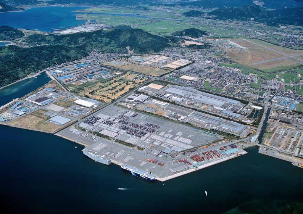 mazda-held-the-shipping-tours-in-hofu-factory20161005-1