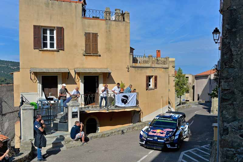 sebastien-ogier-player-of-vw-is-first-victory-at-a-local-event-checkmate-to-the-wrc-championship-defense20161009-12