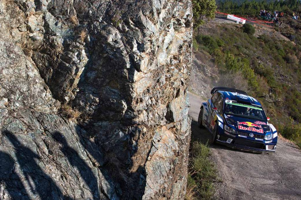 sebastien-ogier-player-of-vw-is-first-victory-at-a-local-event-checkmate-to-the-wrc-championship-defense20161009-18
