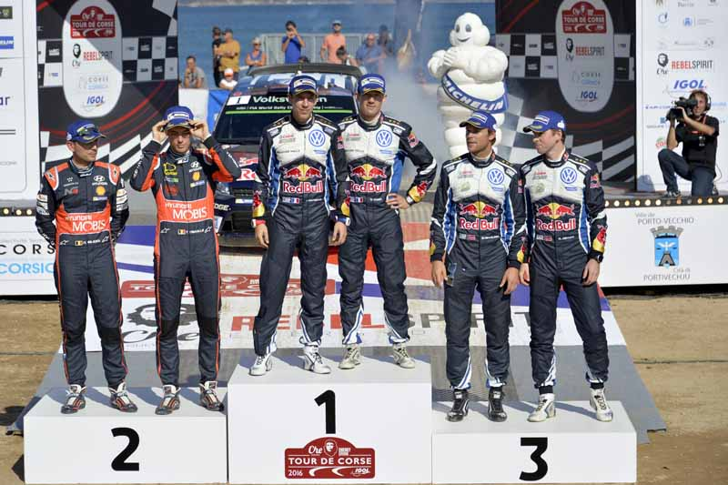 sebastien-ogier-player-of-vw-is-first-victory-at-a-local-event-checkmate-to-the-wrc-championship-defense20161009-19