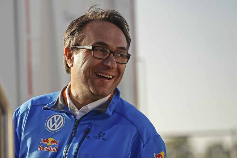 sebastien-ogier-player-of-vw-is-first-victory-at-a-local-event-checkmate-to-the-wrc-championship-defense20161009-5