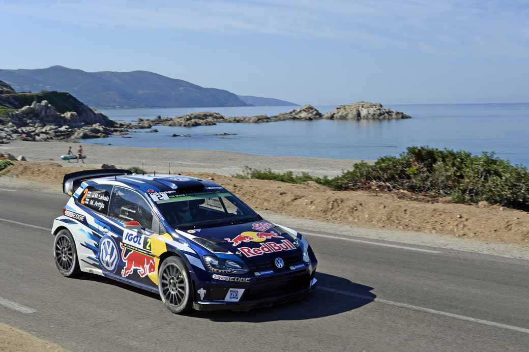 sebastien-ogier-player-of-vw-is-first-victory-at-a-local-event-checkmate-to-the-wrc-championship-defense20161009-7