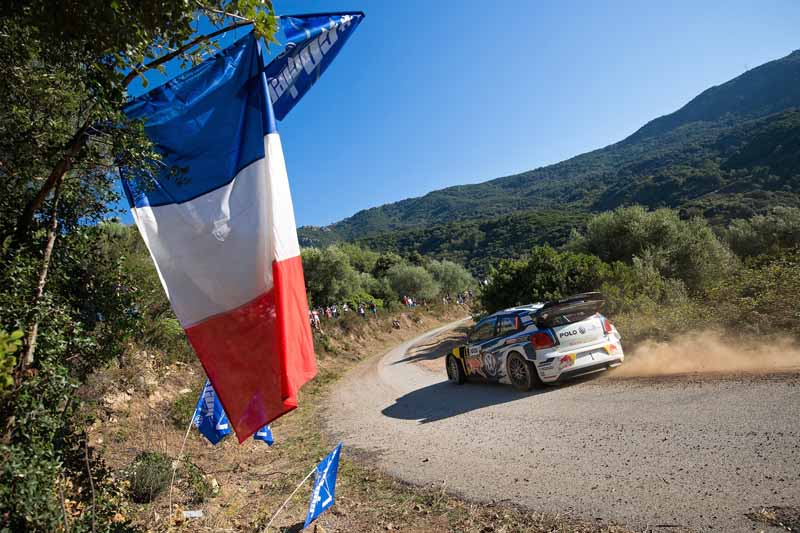 sebastien-ogier-player-of-vw-is-first-victory-at-a-local-event-checkmate-to-the-wrc-championship-defense20161009-9