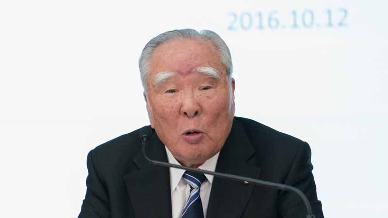 suzuki-and-toyota-the-start-of-the-study-for-the-business-alliance-environment-and-to-strengthen-cooperation-in-areas-such-as-safety-and-information-technology20-161012-17