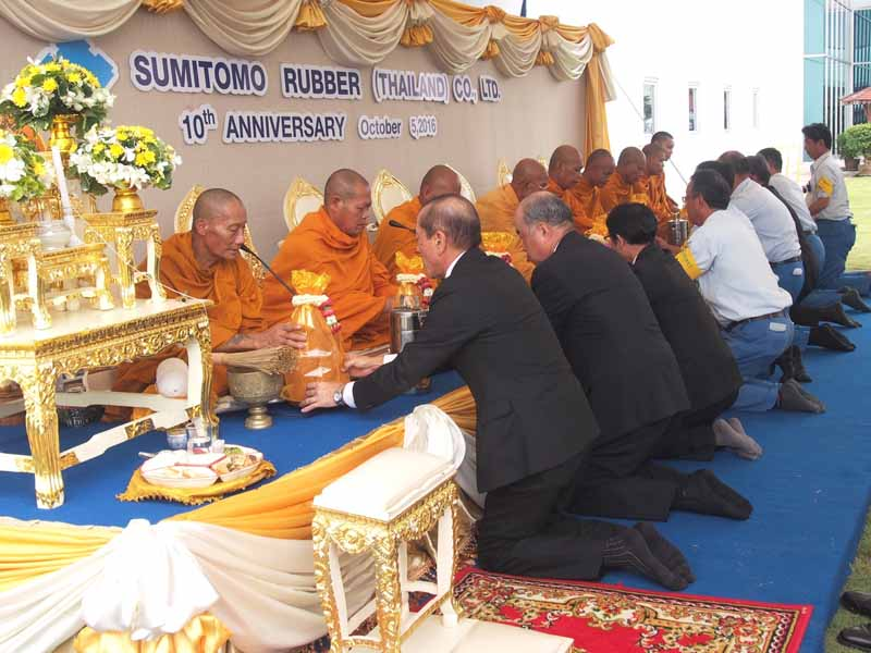 thailand-held-a-sumitomo-rubber-thailand-is-operating-10-anniversary-ceremony20161007-3