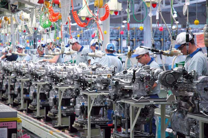toyota-motor-corp-started-production-of-the-hybrid-transaxle-and-the-gasoline-engine-in-poland20161021-2