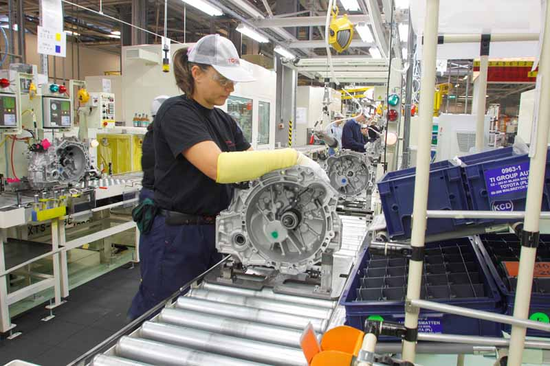 toyota-motor-corp-started-production-of-the-hybrid-transaxle-and-the-gasoline-engine-in-poland20161021-4