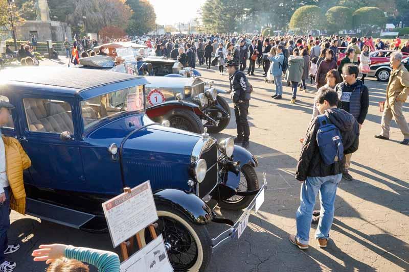 toyota-motor-corporation-held-the-2016-toyota-automobile-museum-classic-car-festival-in-jingu-gaien20161024-8