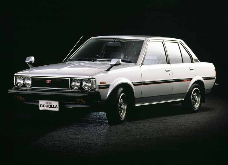 toyota-opened-a-corolla-50th-anniversary-special-site-follow-the-journey-of-birth-half-a-century-the-celebrated-taking-the-same-car-has-walked-50-years20161023-4