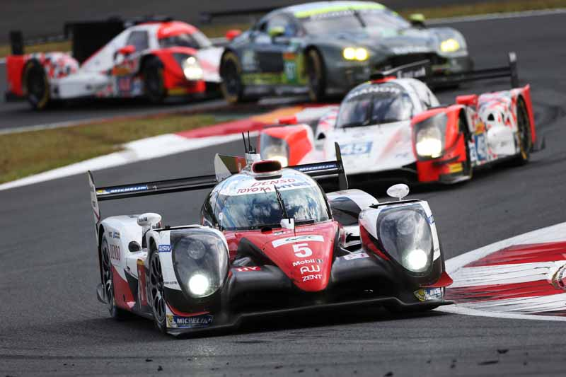 wec-round-7-fuji-6-hours-finals-winning-the-toyota-narrowly-second-place-audi-divide-the-podium-in-third-place-porsche20161016-6
